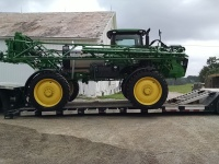 JD R4030 Sprayer
